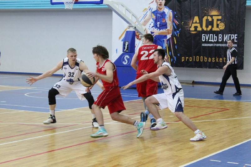 Смоленские баскетболисты выиграли два матча в Калуге