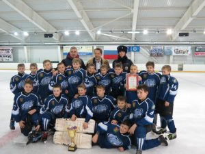 200 юных спортсменов приняли участие в турнире «Хоккей ради безопасности на дороге»