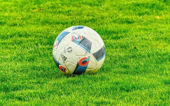 Футбольное поле для детей. Между двумя смоленскими школами начнется строительство