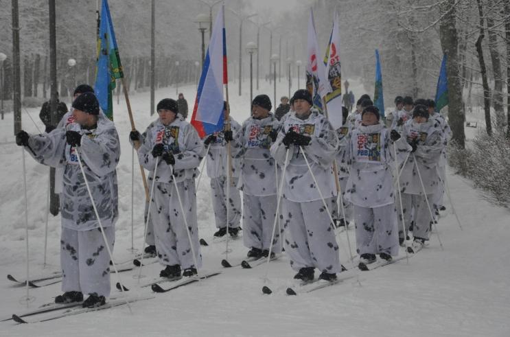 В Смоленске стартовал сверхдальний лыжный переход военнослужащих ВДВ