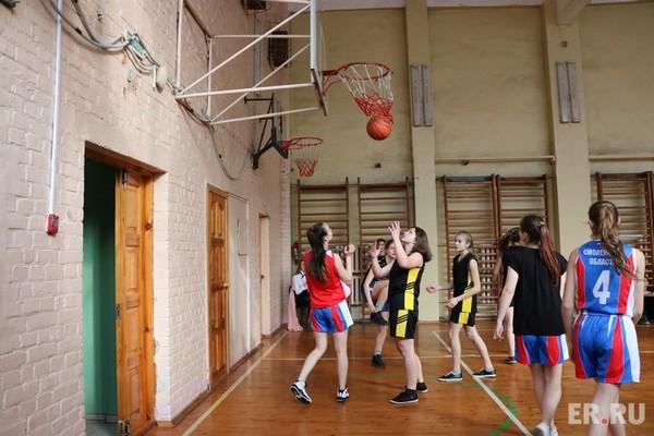 В Смоленской области определился последний финалист школьного баскетбольного чемпионата