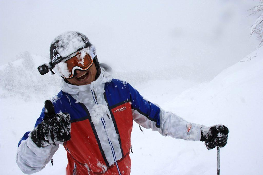 Экстремал из Смоленска покинул чемпионат мира по фрирайду из-за травмы