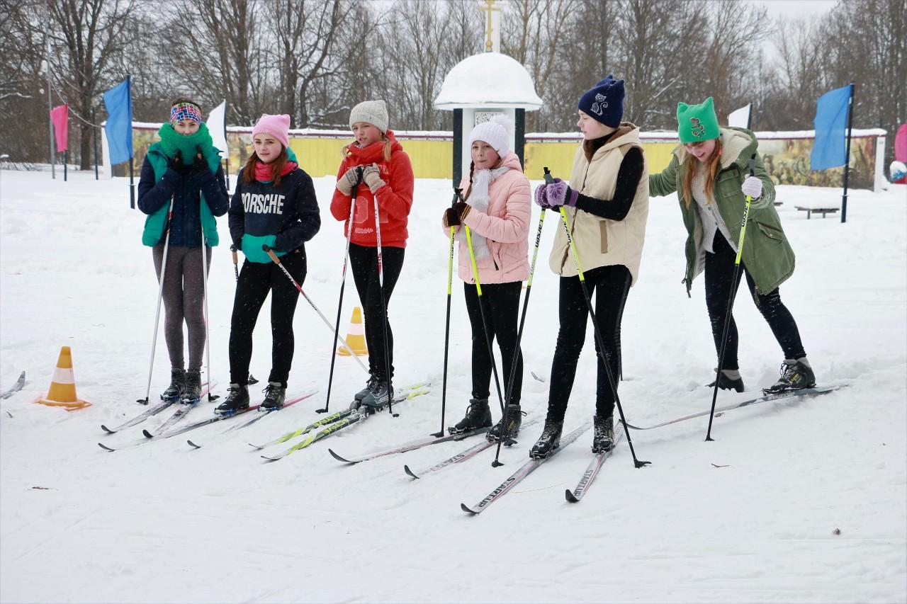 Жители Дорогобужа «вышли гулять» на лыжах