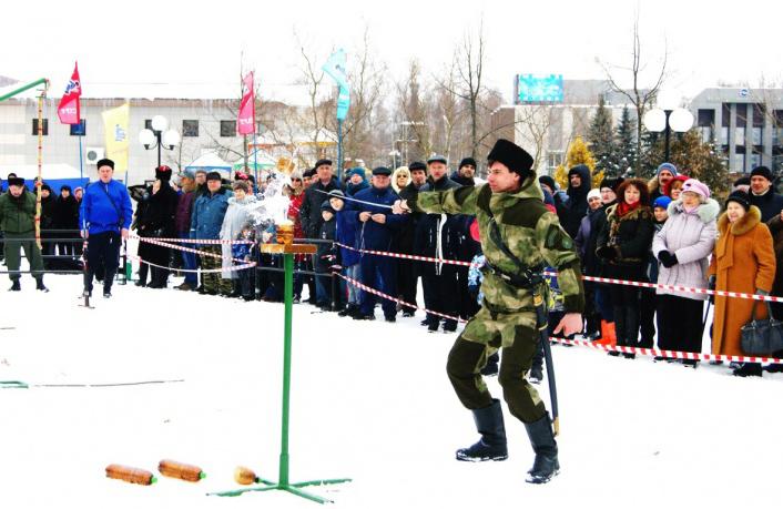 В Смоленской области прошёл чемпионат по рубке шашкой «Казарла»