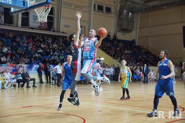В Смоленске состоялся финал ЦФО по «КЭС-Баскету»