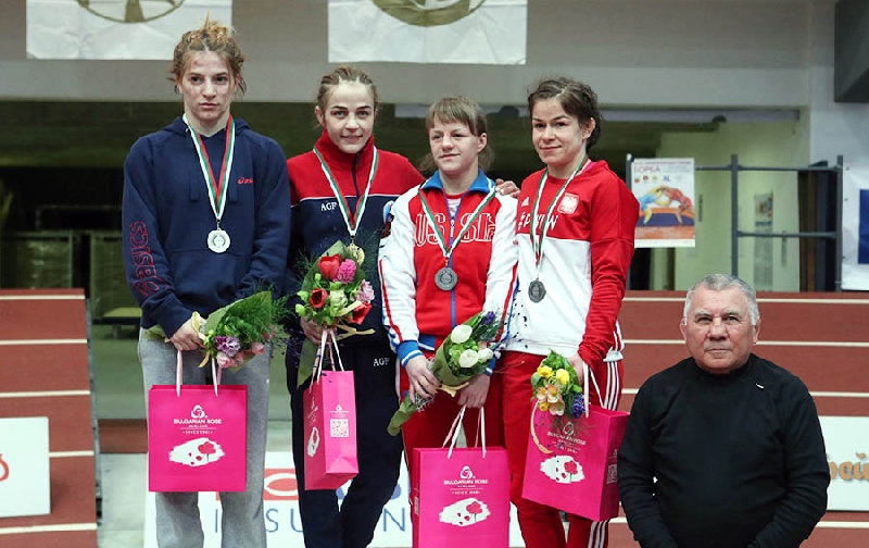 Студентка смоленского училища завоевала «бронзу» на международном турнире по женской борьбе