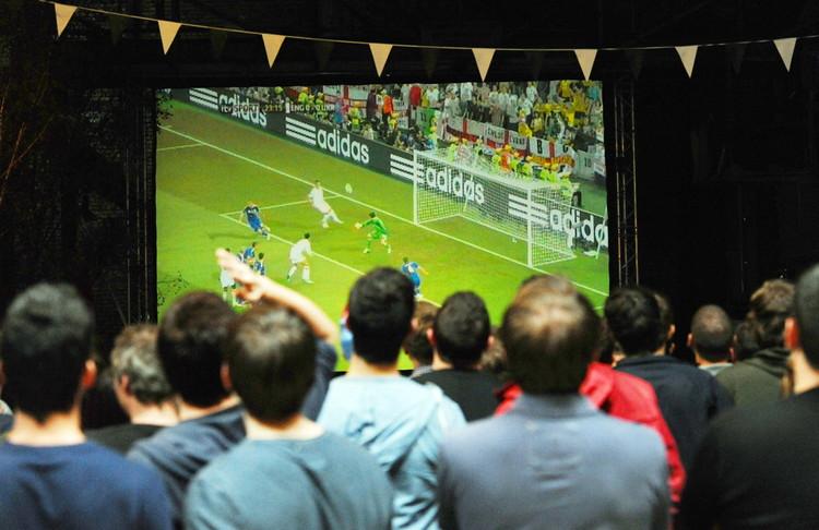 К чемпионату мира по футболу в Смоленске установят экран для просмотра матчей