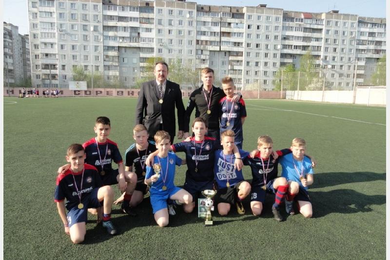 В Смоленске определился победитель футбольного турнира «Кожаный мяч»