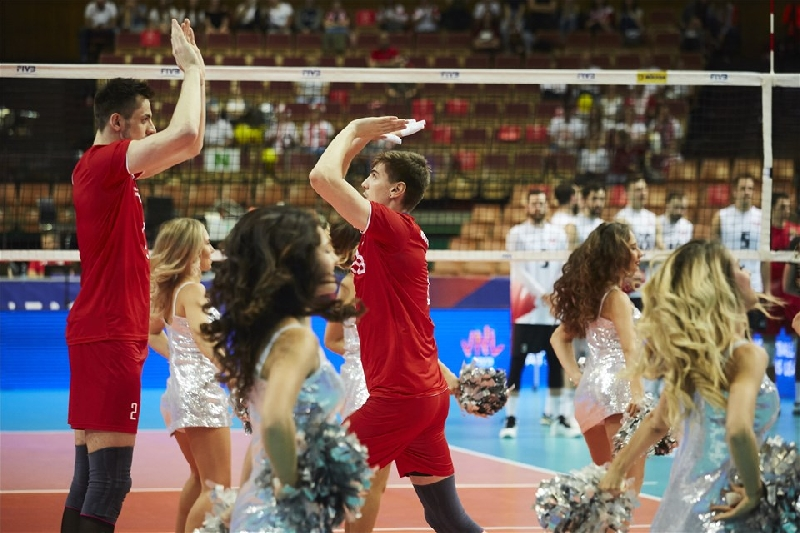 Российские волейболисты со смолянином Карпуховым проиграли полякам