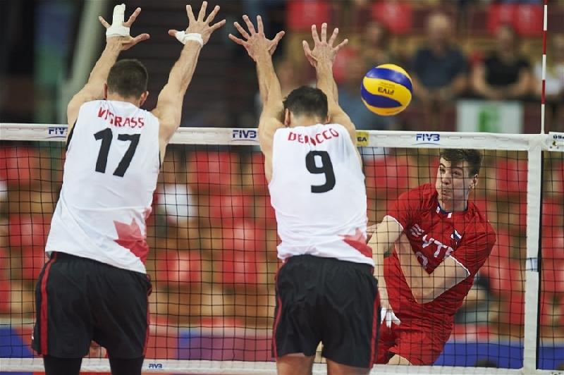 Смолянин Карпухов помог российским волейболистам обыграть канадцев