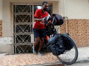 Через Смоленскую область в Москву на велосипеде проедет египтянин