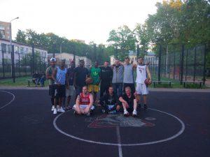 В Смоленске местные баскетболисты обыграли африканских военных
