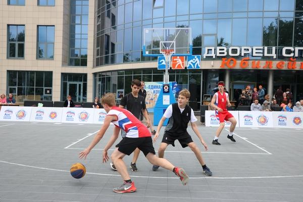 Смоленск стал центром притяжения любителей баскетбола