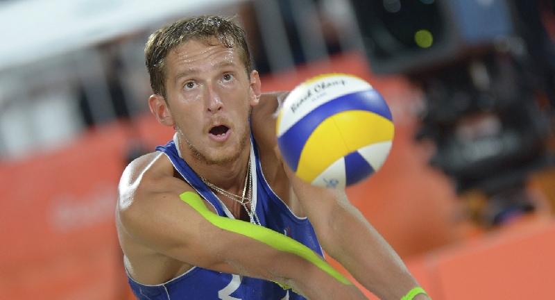 Смоленский волейболист объяснил, почему сменил «классику» на пляж