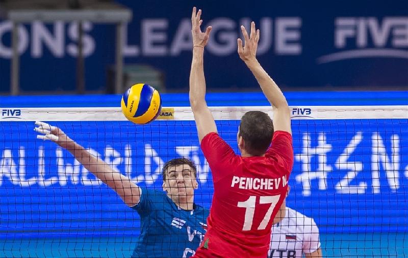 Смолянин помог сборной России разгромить болгар