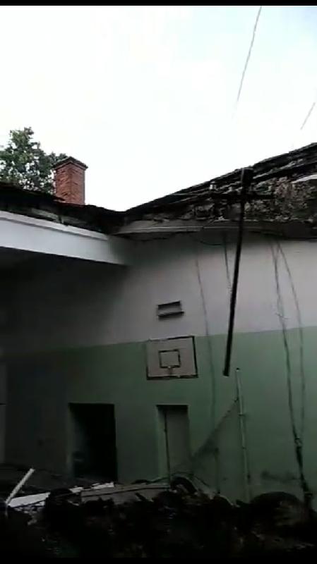 «Волейбола не будет». В Смоленской области обрушилось здание спортзала