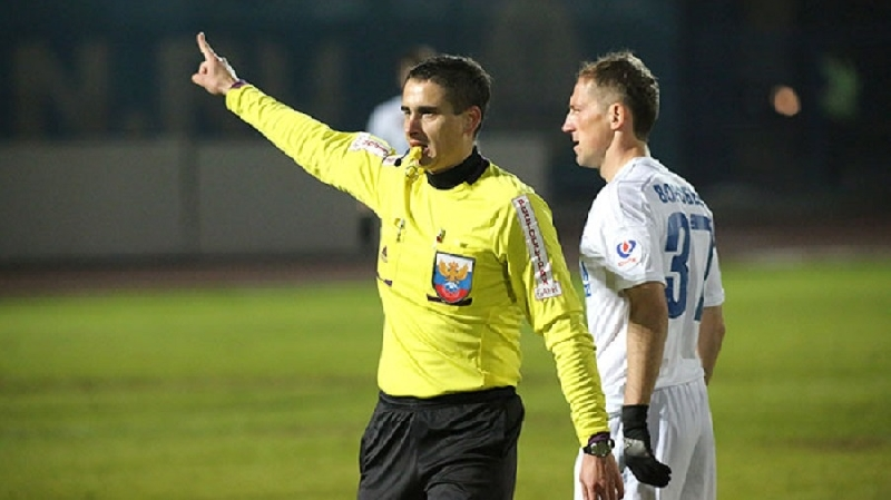 Футбольный арбитр из Смоленска впервые назначен на матч РПЛ