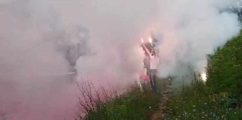 Фанаты «зажгли» на матче чемпионата Смоленской области