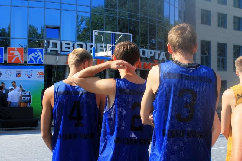 В Смоленске разыграли кубок по баскетболу 3х3