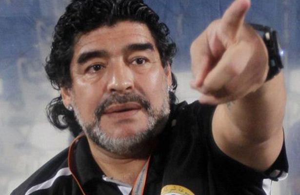 Марадона намерен жаловаться на судью в ФИФА