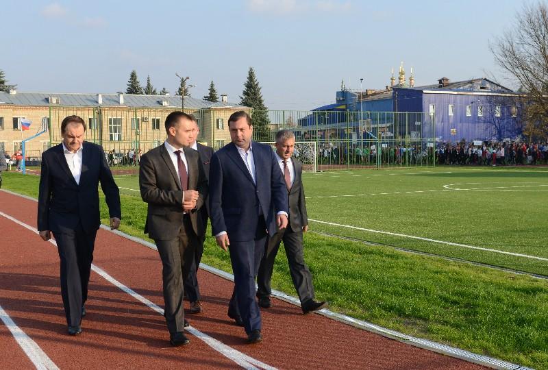 Губернатор Алексей Островский посетил Гагаринский район