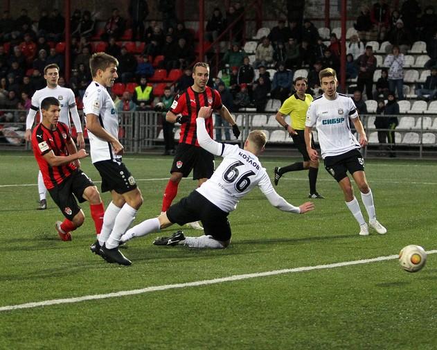 Гол смоленского футболиста помог «Химкам» прервать 8-матчевую серию без побед