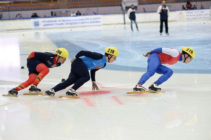 Смоляне выиграли всероссийские старты по шорт-треку