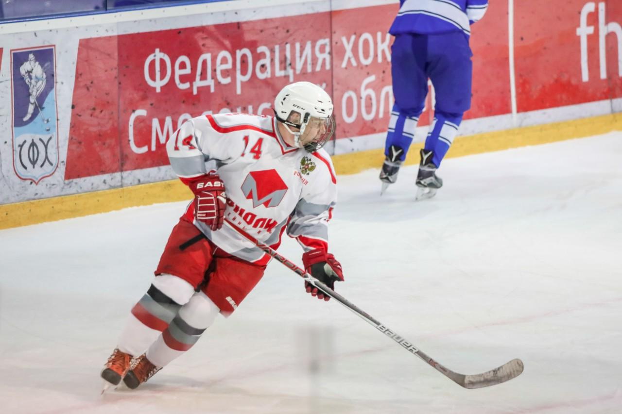 В Смоленске прошли игры четвертого тура чемпионата города по хоккею