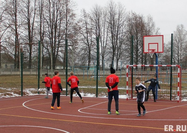 В Ершичах открыли сразу два спортивных объекта