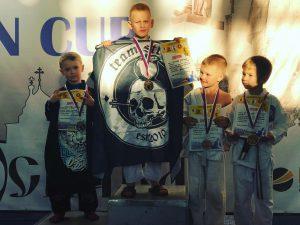 «Золотые» выступления юных борцов из Смоленска сняли на видео