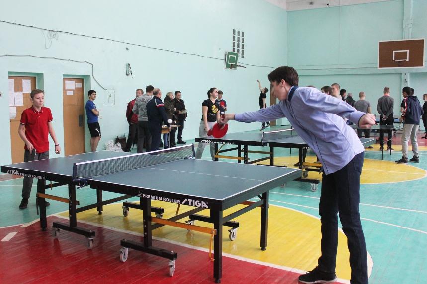 В Смоленске прошли соревнования по настольному теннису и открытый турнир по волейболу