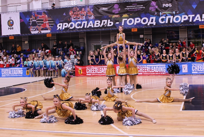 Смоленские чирлидерши привезли из Ярославля и Москвы 10 комплектов наград