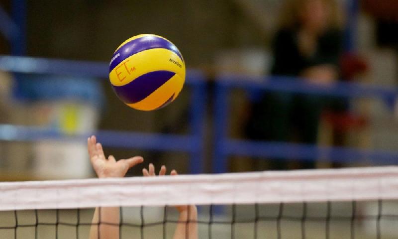 В Смоленске во время матча по волейболу скончался тренер