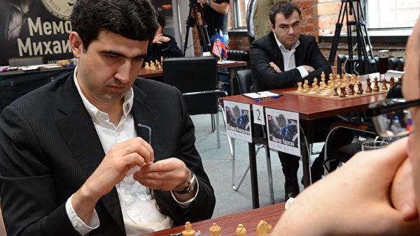 Крамник сыграл вничью сКарлсеном вчетвертом туре турнира вВейк-ан-Зее