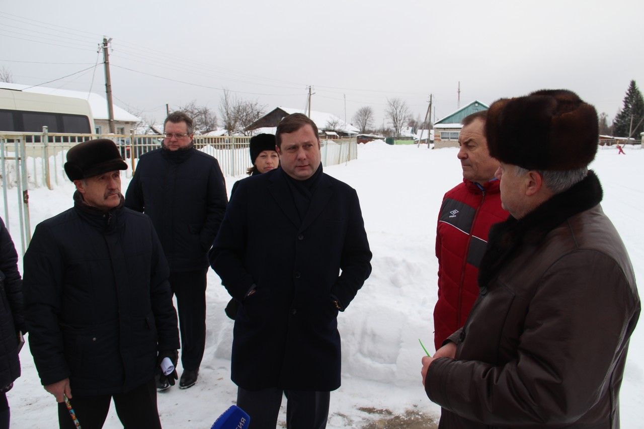 Алексей Островский поддержал реконструкцию центрального стадиона в Тёмкино