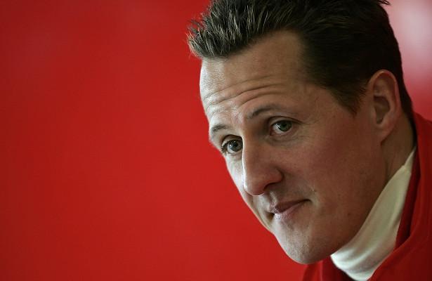 Михаэль Шумахер впервые после получения травмы был замечен посторонними