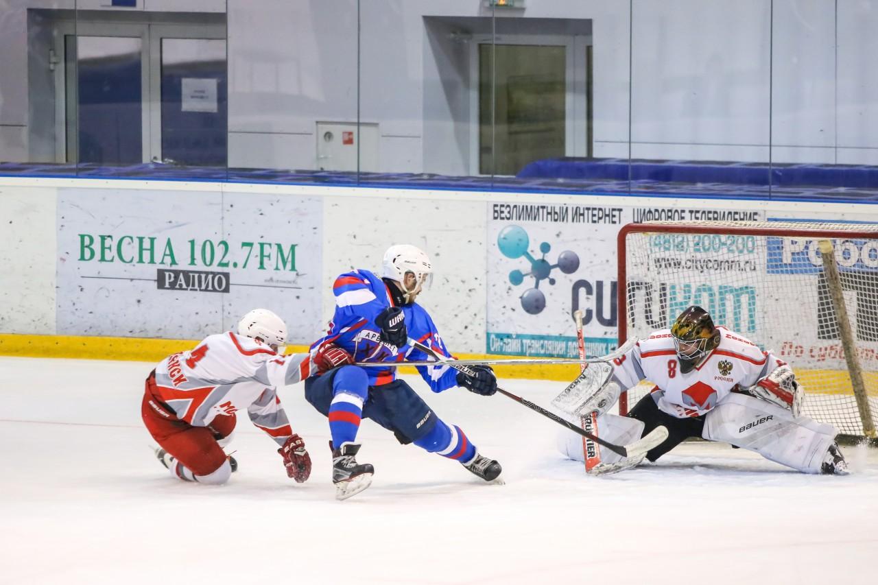 В Смоленске пройдёт полуфинал городского чемпионата по хоккею с шайбой
