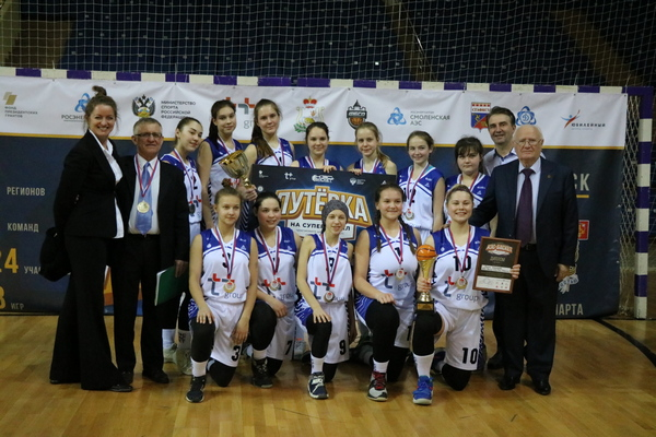 Быстрый прорыв. В Смоленске определили лучшую команду школьной баскетбольной лиги «Кэс-Баскет»