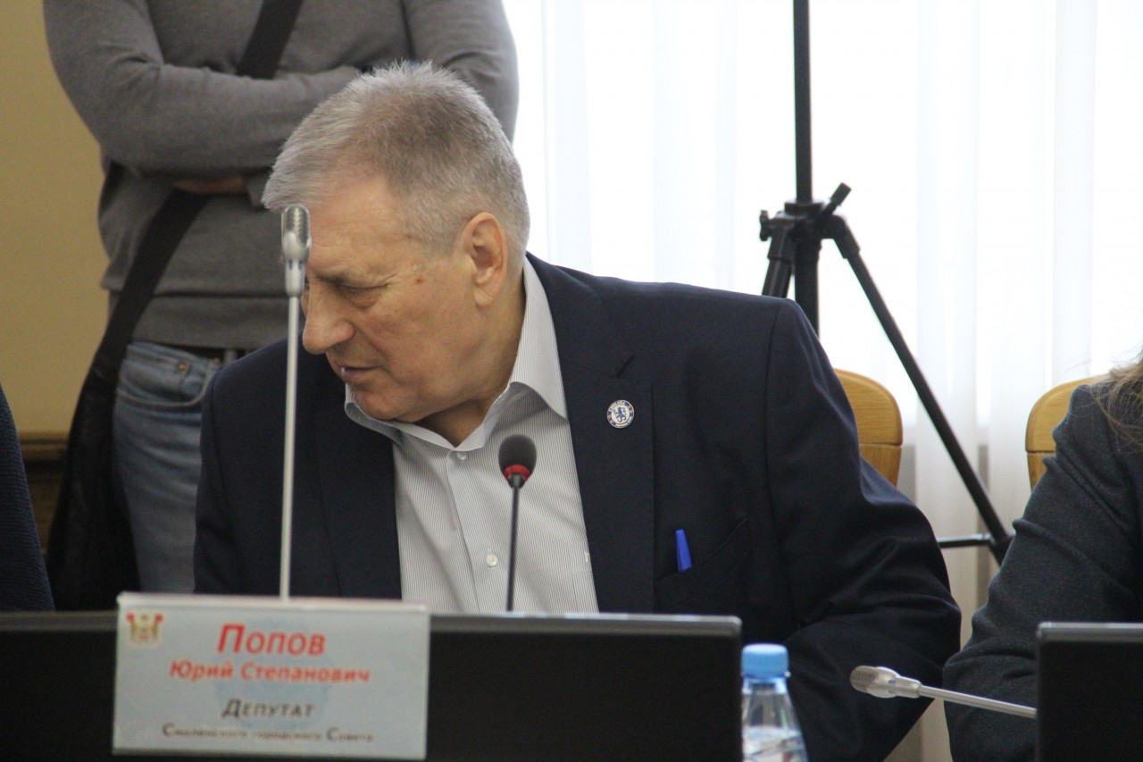 В Смоленске депутат горсовета поддержал футбольный актив олигарха Абрамовича