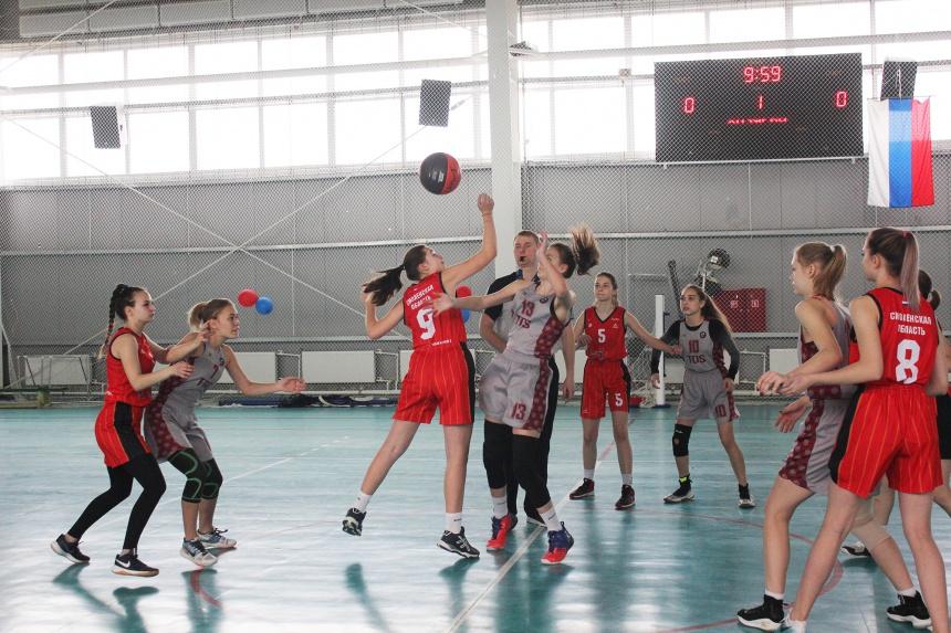 В Смоленске состоялся баскетбольный турнир