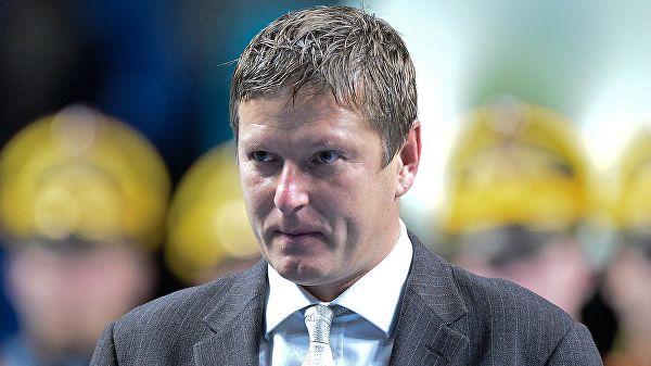 Кафельников высказался о продлении ареста Кокорина и Мамаева