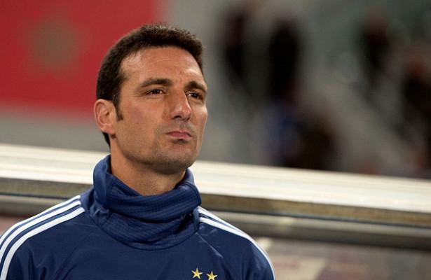 Тренера сборной Аргентины по футболу Скалони сбила машина в Испании