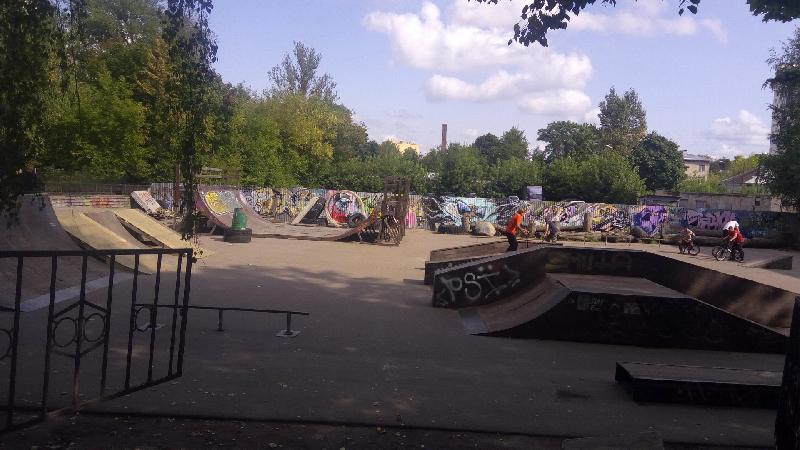 Алексей Островский поручил обновить скейт-парк в Смоленске