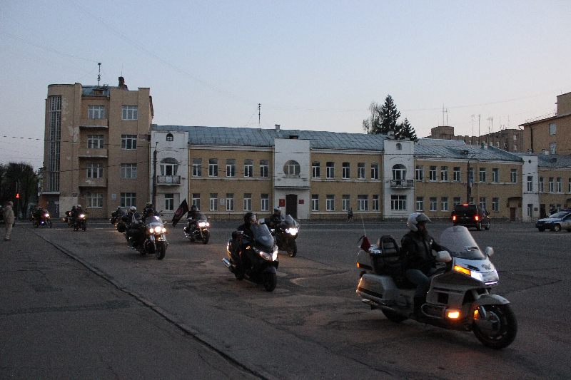Мотомарш в честь годовщины Великой Победы сделал остановку в Смоленске