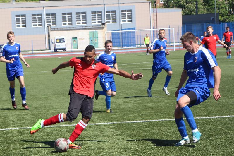 Футболисты «Смоленска» обыграли команду СГАФКСТ