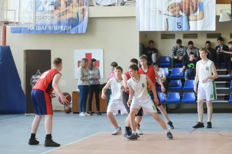 В Смоленске стартовал межрегиональный турнир по баскетболу