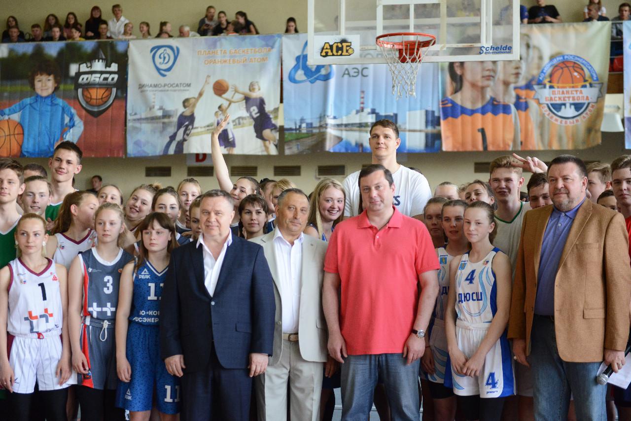Алексей Островский открыл в Смоленске межрегиональный турнир по баскетболу