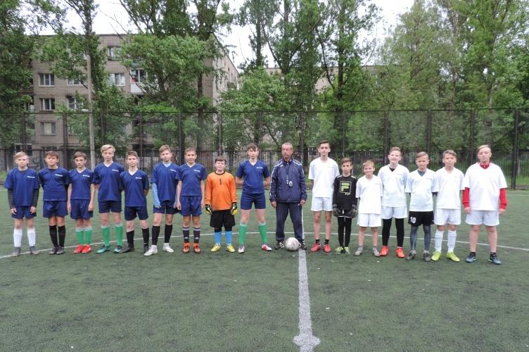 В Смоленске проходит турнир по футболу «Кожаный мяч»