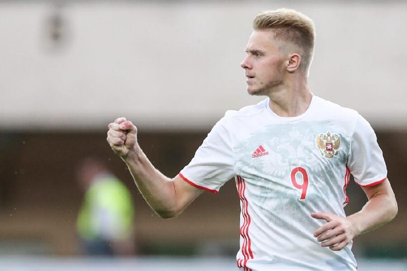 Смоленский футболист попал в заявку сборной России на чемпионат Европы