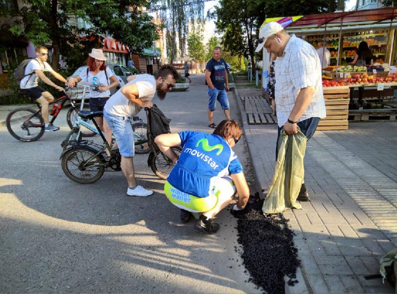 Велоактивисты причиняют смолянам радость и навязывают комфорт